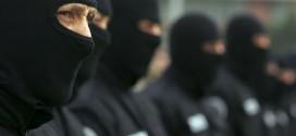 Poliţia teleormăneană nu a găsit furăcioşii celor 21.000 euro şi 42.500 lei nici cu mascaţii