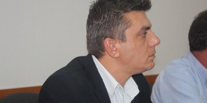 Alexandru Neacșu versus Lucian Iotu. De la filosoful de carton la șmecherul de ocazie