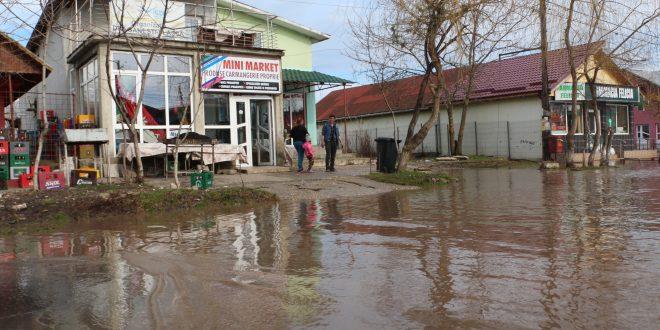 Teleormanul, sub ape! Sute de oameni afectați, 20 de localități inundate și trafic rutier îngreunat…