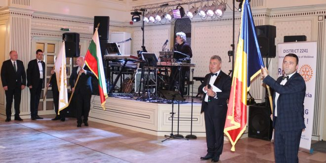 Eleganță, caritate și muzică bună la Balul Primăverii organizat de Club Rotary Alexandria