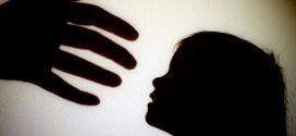 O elevă din Teleorman susține că a fost hărțuită sexual în biblioteca școlii de profesorul ei