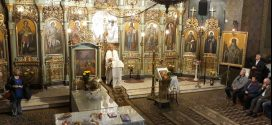 """Slujba de duminică la Catedrala Alexandria: """"Cine simte așa ceva, nu va băga azi un dumicat la prânz în gură dacă n-a fost mai întâi să spună că este ortodox autentic, familist convins și creștin adevărat!"""""""