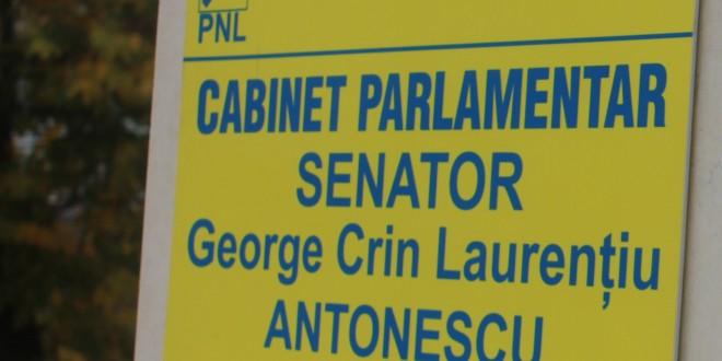 Ole, ole, ole, ole, Antonescu… e președinte!