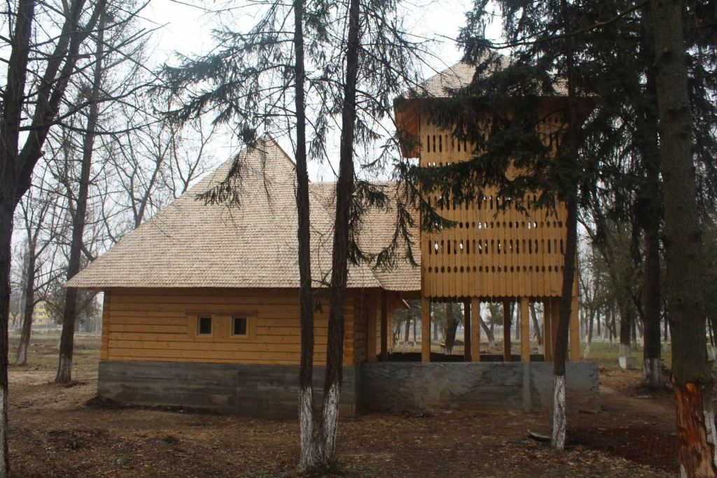 biserica lemn (2)