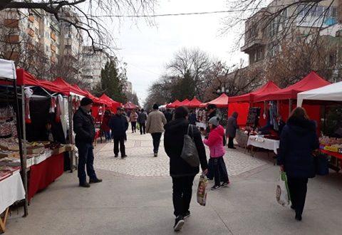 În pragul primăverii, buricul județului Teleorman și-a pus straiele roșii de bazar